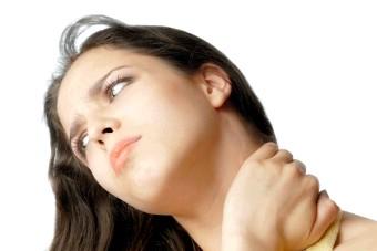 Горб на шиї: причини і лікування