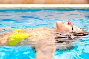 Хлорка в басейні