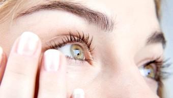 Як позбутися набряків під очима?