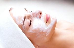 зволожуючі маски для обличчя в домашніх умовах