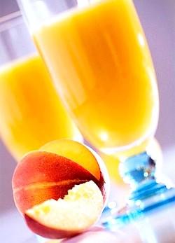 Персиковий сік: склад, користь і властивості соку персиків