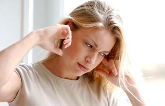 Чому виникає дзвін у вухах?