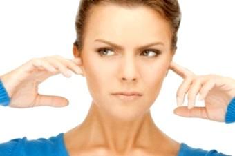 Причини дзвону і шуму у вусі