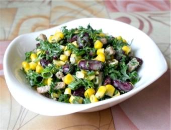 Салат з квасолею та сухариками