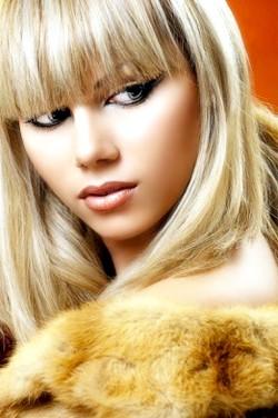Яскравий і насичений колір волосся