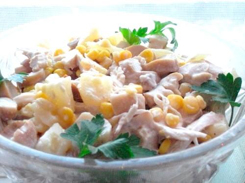 Салат з куркою і кукурудзою - кращі рецепти приготування