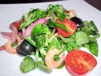 Салат з маринованою цибулею