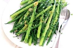 Спаржева квасоля із зеленим горошком рецепт приготування